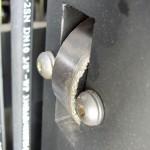 Oprócz 6 rolek głównych na karetce są zamontowane dwie 4 rolki boczne 80 mm (w obróżnieniu od innych producentów, którzy stosują małe nieułozyskowane tulejki o średnicy 30-40 mm)