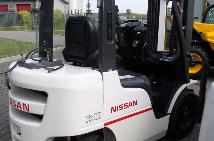 Nissan P1F2A20D