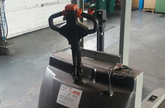Wózek paletowy z masztem Silverstone HL1016 używany